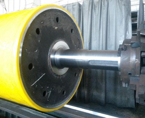 Polyurethane and rubber coating rolls